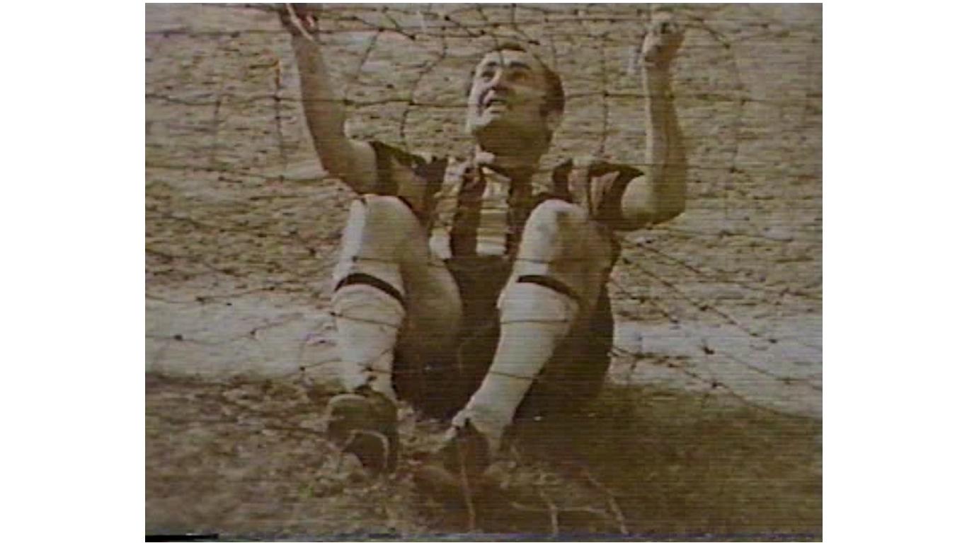 1970 ist-samsun. arif ışıldayan'ın fotosu. bilge tarhan'ın golüyle 1-0 kazanıyor